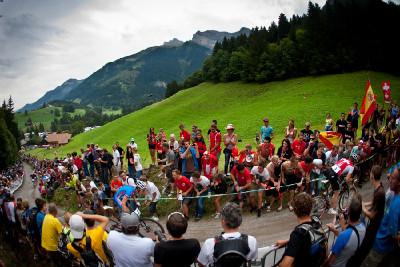 Jára projíždí švýcarským kotlem