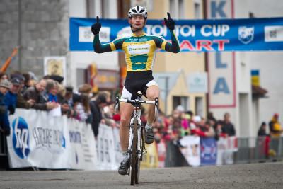 Christoph Pfingsten vítězí