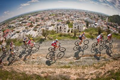 bikeři nad Vorokliny