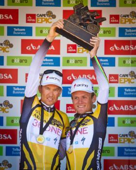 Sauser a Stander obhájili vítězství na Cape Epic