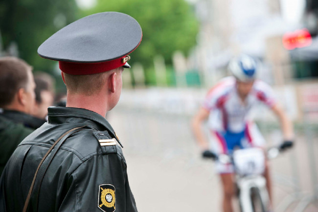 Po každých padesáti metrech stojí přísná moskevska milice
