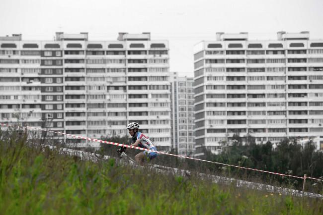 A zase paneláčky, tentokrát bývalá olympijská vesnice z roku 1980