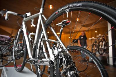 novinka - cyklokrosová kola