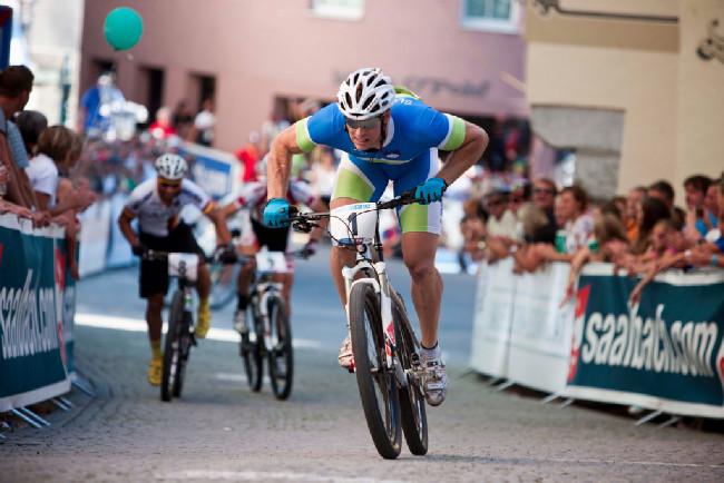 Sprint Eliminator - Miha Halzer měl vždy po startu náskok několika metrů