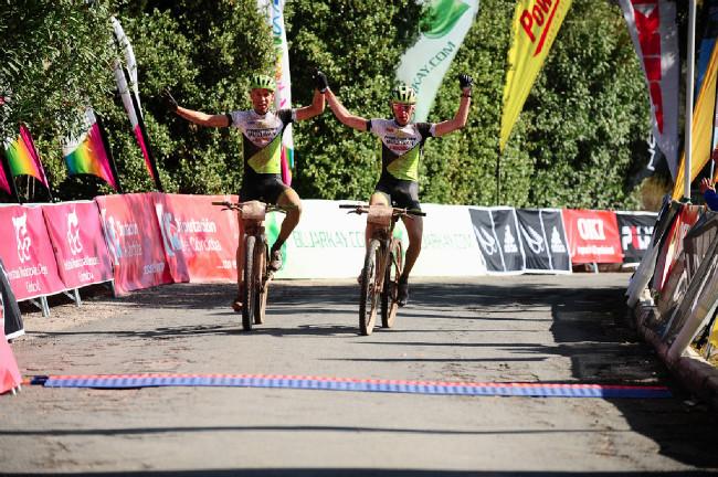 Ondřej Cink a Thomas Litscher vítězí v první etapě