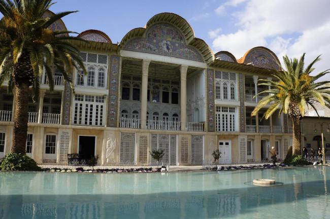 Shiraz - udrzovanych parku je tu hromada....Eram garden patri k tem nej...