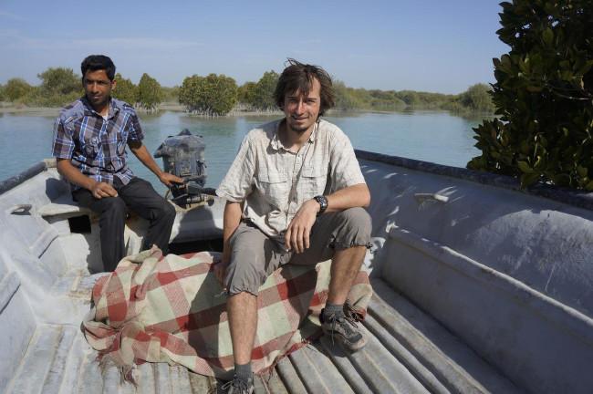 přírodovědci jedou na návštěvu národního parku Mangrovy