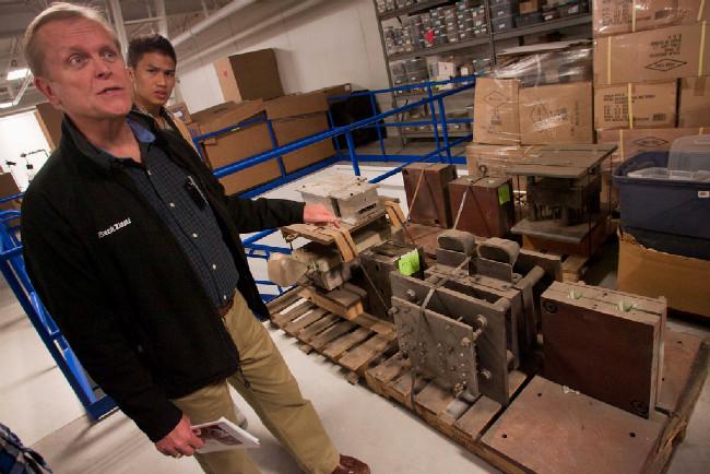 Roger Olson - náš průvodce po továrně