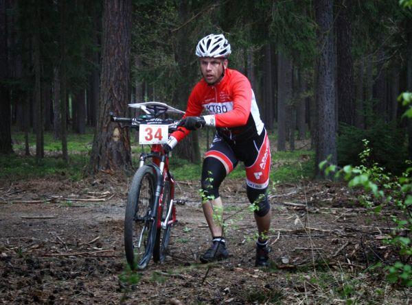 Sezóna MTBO začala aneb nejlepší čeští bikeři smapou se o víkendu sjeli do Chacholic.