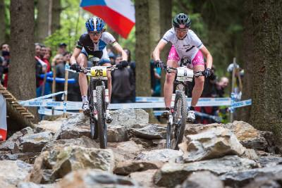 Maja Wloszczowska a Eva Lechner v Rubena Choice