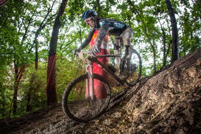 Milan Spěšný jako jediný zdolal novou pasáž na kole