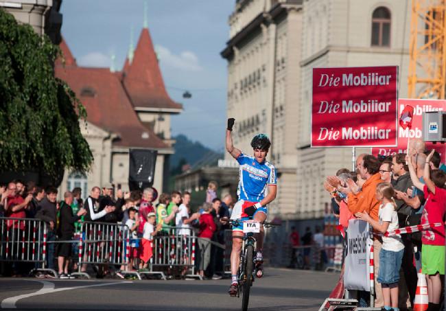 Gerhard Kerschbaumer dovezl Itálii bezpečně do cíle na prvním místě