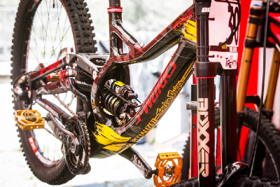 Specialized S-Works Demo TLD Troye Brosnana