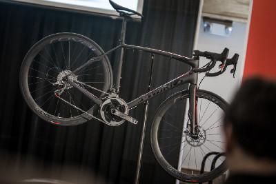 Roubaix S-Works na kotoučových brzdách