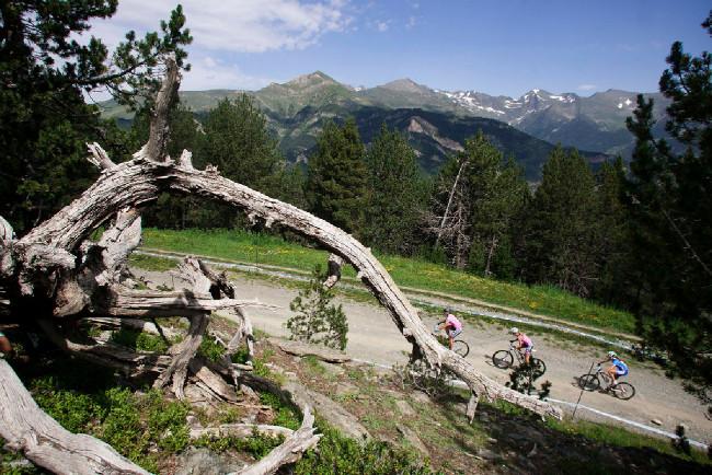 Pyreneje vytváří úžasnou scenérii