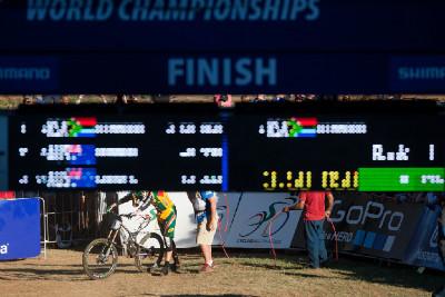 Greg Minnaar v cíli své finálové jízdy