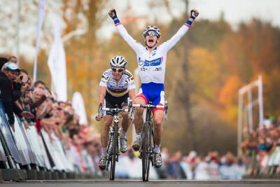 Lars van der Haar vítězí