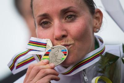 stříbrná Eva Lechner