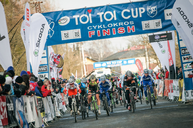 MCŘ v cyklokrosu, Loštice 2014: start!