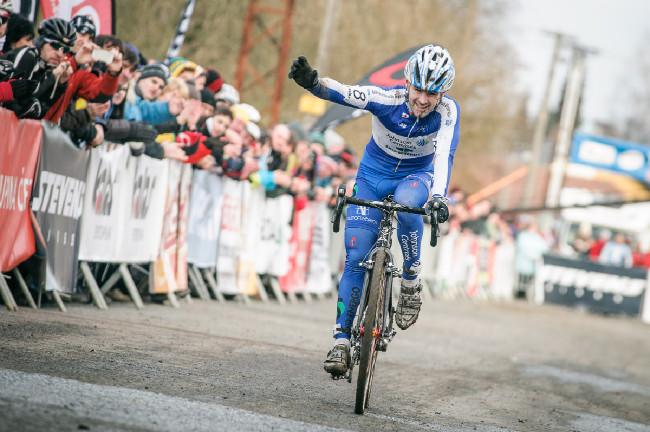 MCŘ v cyklokrosu, Loštice 2014: radost z bronzu Vladimíra Kyziváta