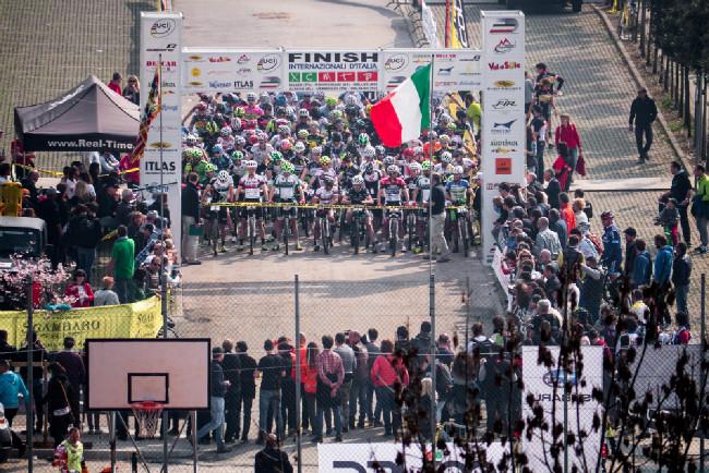 Tým Superior Rubena v Maseru - 1. závod Italského poháru MTB