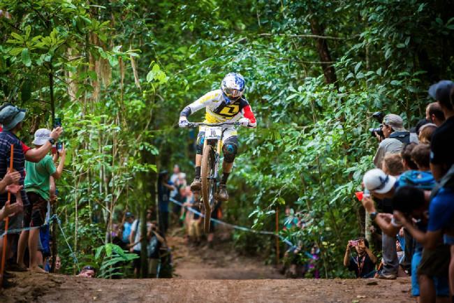 Světový pohár MTB DH #2 - Cairns: Rachel Atherton