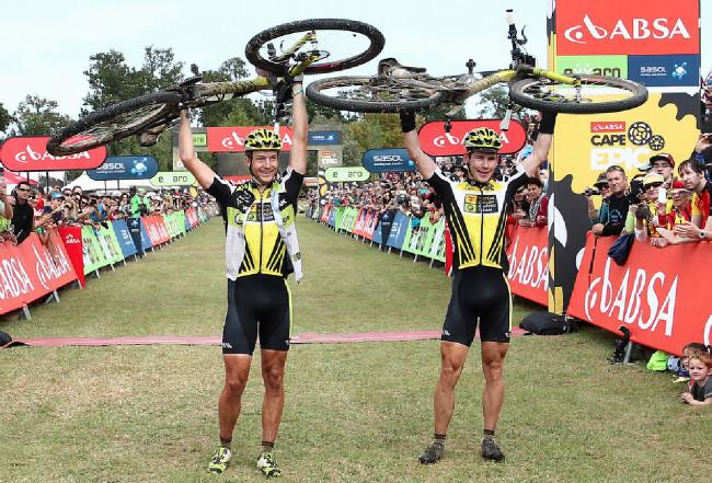 Cape Epic 2014 - a nyní série vítězů: Kristián Hynek a Robert Mennen