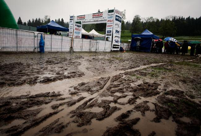 Český pohár MTB - XCE #1 - Bedřichov 2014: jaké sporty se v takovém nečasu provozují?