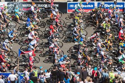 elitní závodníci seřazeni ke startu