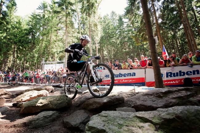 Josef Dressler vyučoval mezi závody techniku jízdy na sekcích v lese