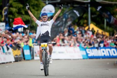 Julien Absalon vítězí