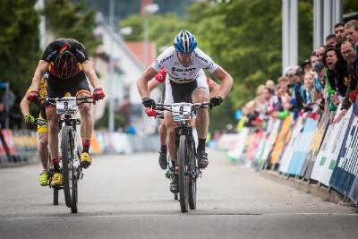 těsný sprint o vítězství v XC Eliminátoru