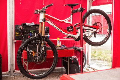 #1 - bike Demo Aarona Gwina