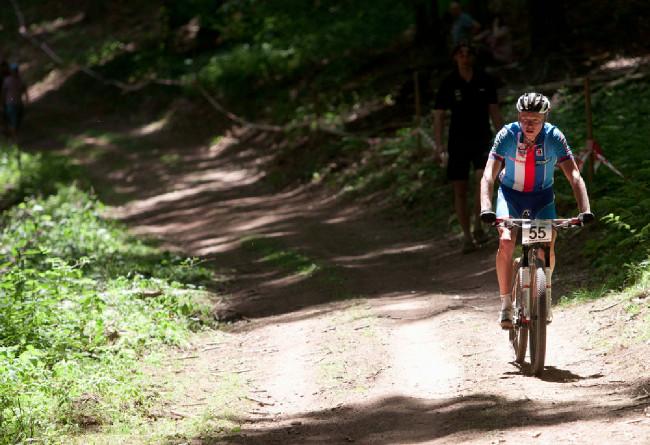 Jan Nesvadba skončil ve třetině prvního okruhu.... defekt zadního kola