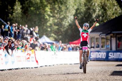 Jolanda Neff vítězí