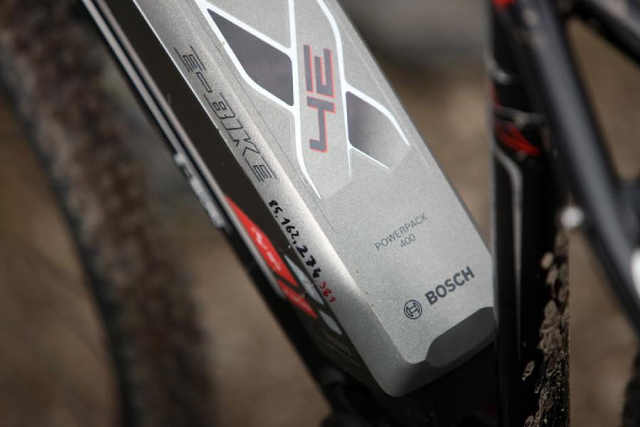 4Ever E-Sword 1 - čísla napsaná na baterii = stav Km při nabíjení
