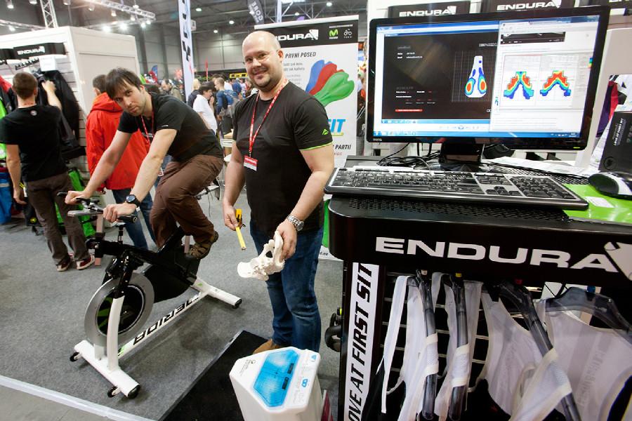 Střípky For Bikes 2015 optimalizace posedu díky měření dosedacího tlaku vašeho pozadí