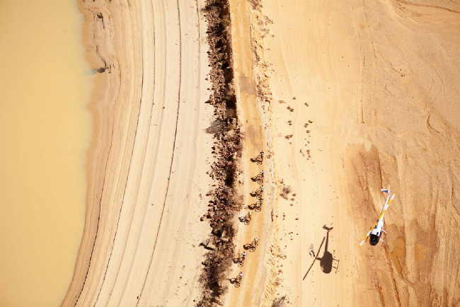 Občas se vrtulníky prostě musí nasáčkovat nad sebe, aby mohl fotograf zachytit to nejlepší