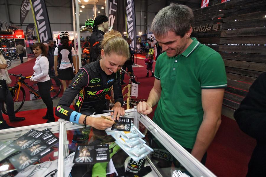 For Bikes 2015 podpisovka Karly Štěpánové