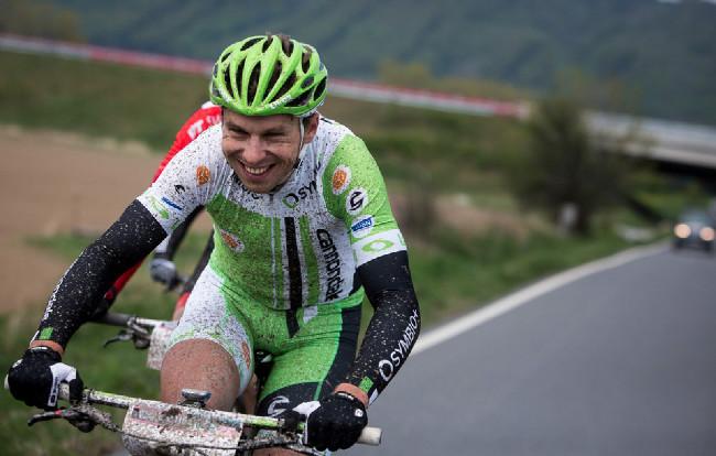 Jan Strož rozdával 10 km před cílem úsměvy