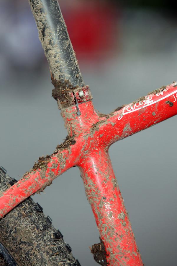 Stockli Beryll RSC Jolandy Neff - netradiční stranová objímka