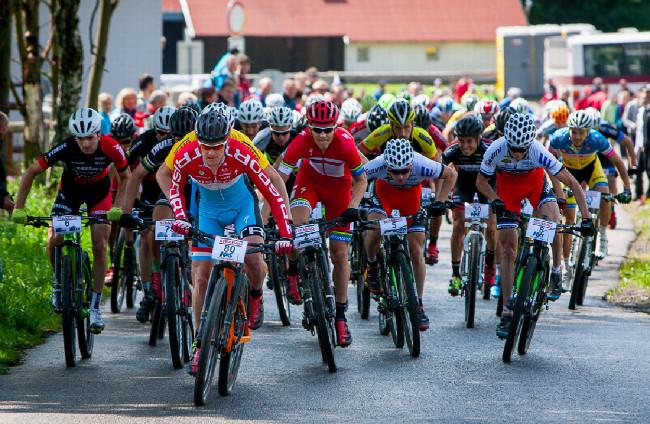 Po startu šel na čelo mistr Luxemburska Christian Helmig, nakonec skončil 19.