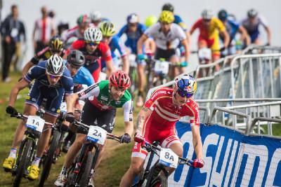 Junior Simon Andreassen předvedl nejlepší start závodu štafet