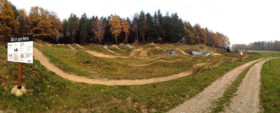 Rychleby - podzim 2015 - Dirt park Zahrádky