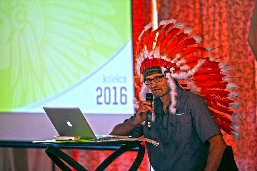 Apache 2016