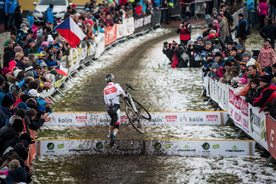 MČR cyklokros 2016: odpojený Adam Ťoupalík