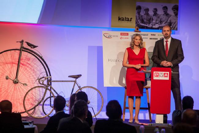 Král cyklistiky 2015 - Barbora Černošková a Tomáš Jílek dali večeru šmrnc, vtip a spád