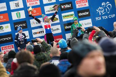 MČR cyklokros 2016: 1. Mikulášková, 2. Havlíková, 3. Nosková
