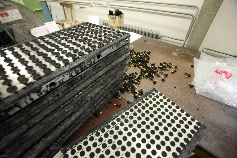 Mitas veloduše - přípravna ventilků před lepením