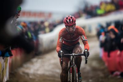 Lars van der Haar útočí